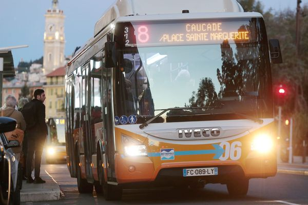 Le réseau de bus urbains de Nice va être considérablement réduit à partir de mercredi.