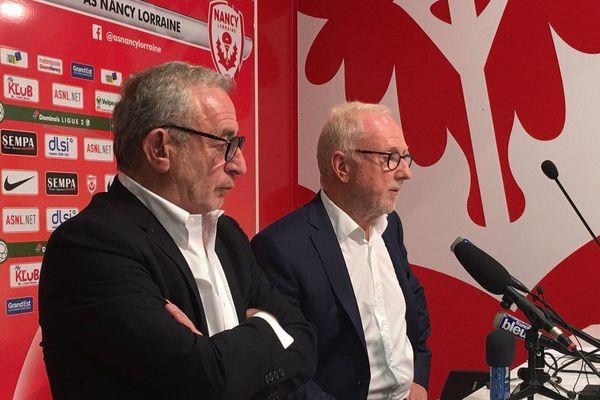 Conférence de presse commune pour le passage de témoin à la tête de l'ASNl entre le désormais ex-président Jacques Rousselot (à droite) et son successeur Jean-Michel Roussier, jeudi 4 octobre 2018, au stade Marcel-Picot, à Tomblaine (Meurthe-et-Moselle).