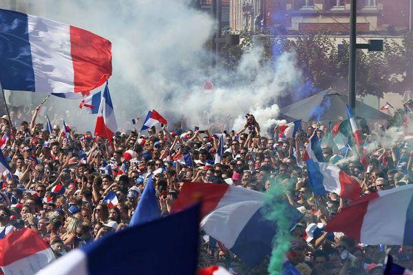 La victoire de l'équipe de France à la Coupe du monde de football a déclenché la liesse dans l'Hexagone