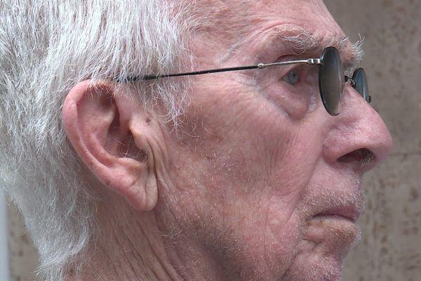 Aujourd'hui, Willy Blioch est âgé de 88 ans. Il ne nage plus mais continue de suivre les compétitions.