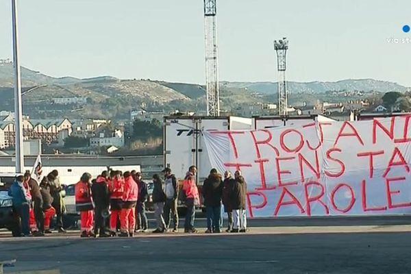Les grévistes demandent aux dirigeants de Corsica Linea de revenir autour de la table
