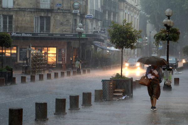 Fortes pluies sur le Vaucluse dans le centre d'Avignon