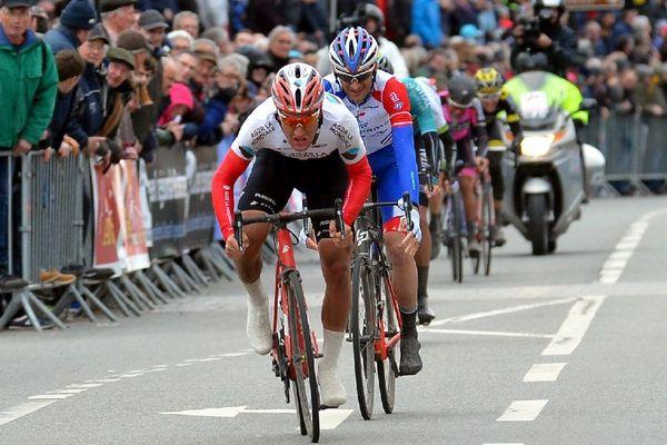 Route Adélie 2018 à Vitré (35) Le 30 mars 2018 - Sylvain Dillier ( AG2R ) remporte le sprint devant Benoit Vaugrenard ( Groupama - FDJ ) et Justin Mottier ( Vital Concept )