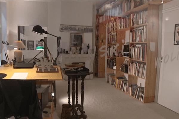 Le bureau de Wolinski, offert au Salon de Saint-Just-le-Martel