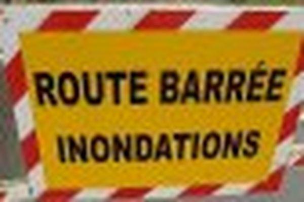 De nombreuses routes barrées en Gironde à cause des violentes précipitations des derniers jours
