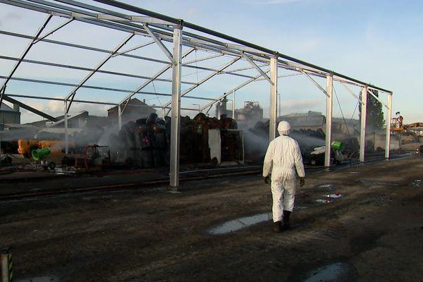 Rouen le 10 octobre 2019 : chantier de dépollution en cours autour du site incendié de  Lubrizol