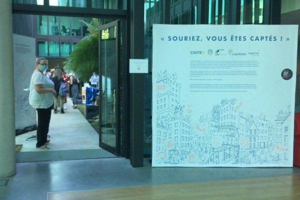 """Bienvenue dans l'exposition """"Souriez, vous êtes captés"""", de la Nantes Digital Week"""