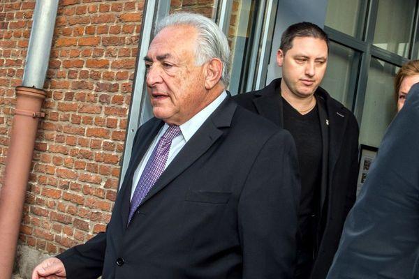 Dominique Strauss-Kahn à la sortie de son hôtel le 18 février 2015, en plein procès de l'affaire du Carlton.