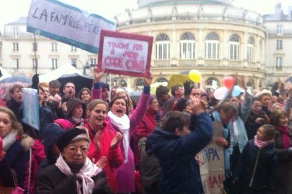 2500 personnes environ étaient présentes pour dénoncer le projet de mariage homosexuel