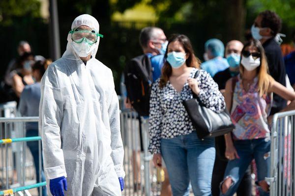 Pendant l'épidémie de Covid-19, l'IHU Méditerranée a organisé un dépistage massif des habitants à Marseille.