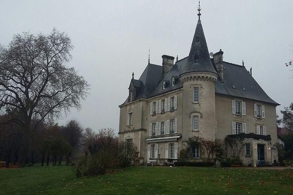 Le château de la Chabroulie à Isle en Haute-Vienne