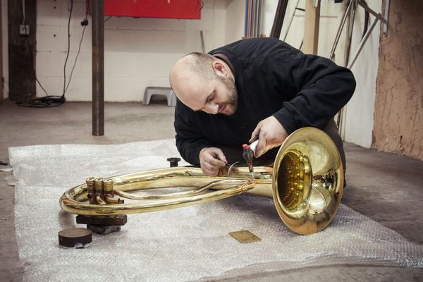 Jérôme Wiss dans son atelier de fabrication.