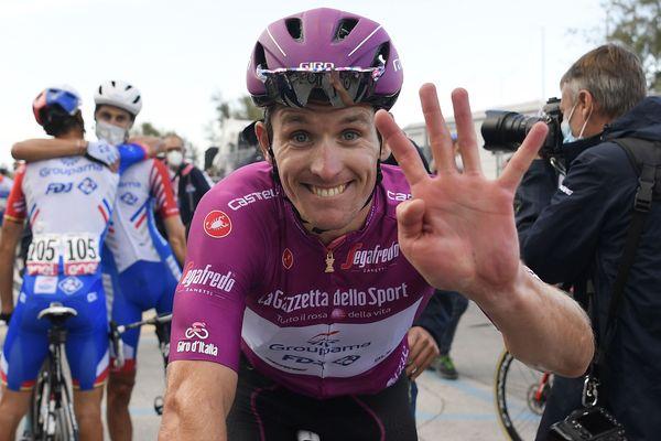 La joie d'Arnaud Démare après sa 4e victoire sur le Tour d'Italie 2020, le mercredi 14 octobre.