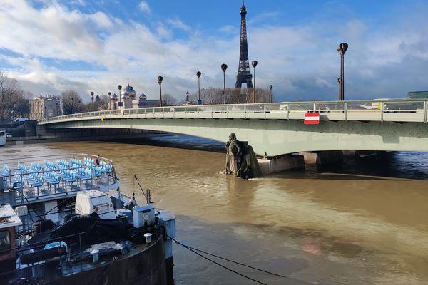 Le Zouave du Pont de l'Alma, à Paris. @Marion Huguet.