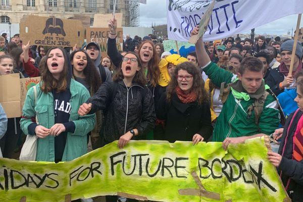Manifestation des lycéens dans les rues de Bordeaux vendredi 15 mars 2019.