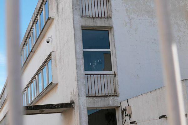 En 2016, les enseignants avaient fait jouer leur droit de retrait suite à des tirs sur la façade de l'école Bruguier dans le quartier du Chemin Bas d'Avignon