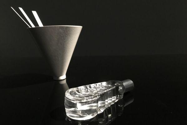 """Un des trois parfums sera retenu pour être baptisé """"Voyage à Nantes"""" commercialisé dans le flacon conçu par l'Atelier Polyhedre."""