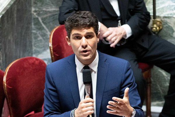 Le député (LR) Aurélien Pradié propose de promouvoir l'usage du bracelet électronique dans le cadre des violences conjugales