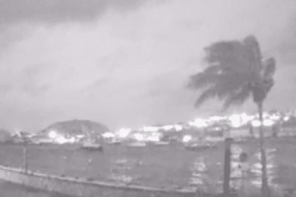 Ouragan Irma aux Antilles : comment avoir des nouvelles de vos proches grâce à Internet ?