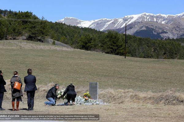Quatre mois après le drame, le 24 juillet, se tient une cérémonie d'hommage aux victimes. Une stèle a été érigée en mémoire des 150 victimes, 144 passagers et six membres d'équipage
