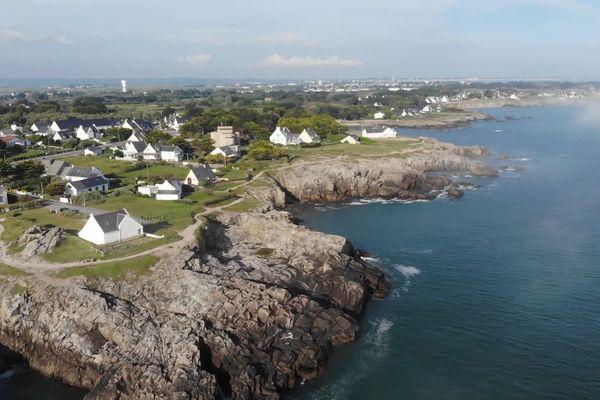 Des kilomètres de côte sauvage bordée de plages et de criques très appréciées des promeneurs et des randonneurs
