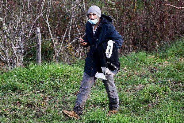 Cédric Jubillar, le 23 décembre 2020, lors des recherches organisées par la gendarmerie à Cagnac-les-Mines dans le Tarn pour retrouver le corps de son épouse, Delphine Jubillar.