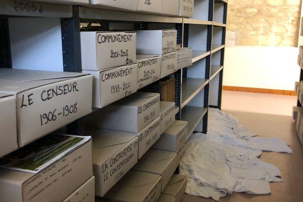 Les infiltrations menacent certaines collections de la médiathèque.