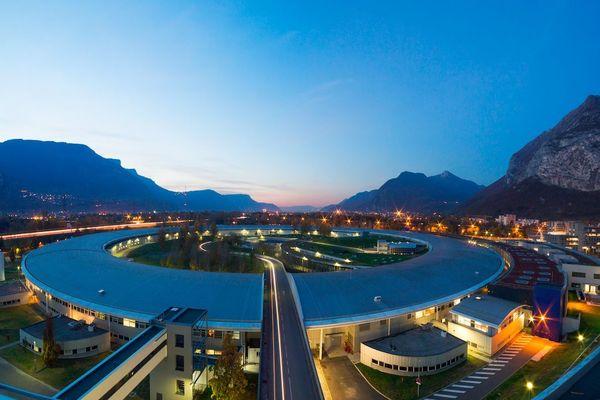 Particulièrement performant, l'ESRF de Grenoble est un équipement de référence dans le monde de la recherche.