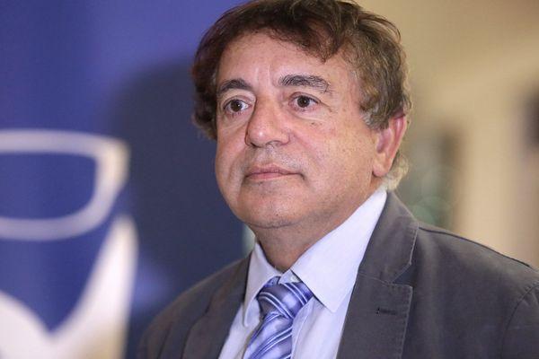 L'élu régional Pierre-Charles Cherrier lors d'une conférence de presse de présentation des listes du Front National pour les élèctions régionales, le 30 octobre 2015.