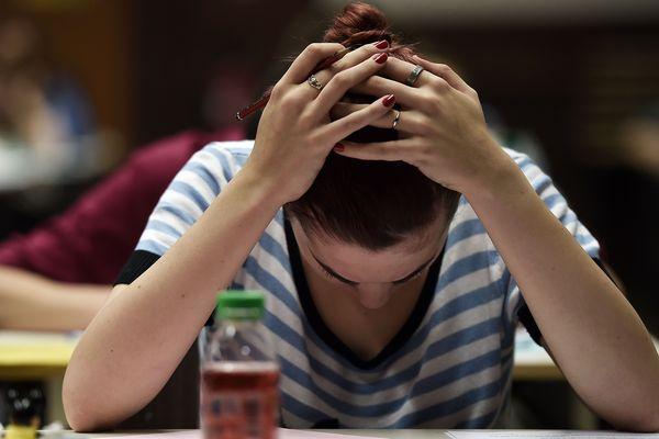 4 000 étudiants en prépa économique et commerciale vont devoir repasser le concours le vendredi 18 mai après une erreur de sujet dans le centre d'examen de Clermont-Ferrand.