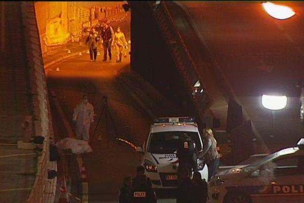 Dans la nuit du 9 au 10 novembre 2015, Mohamed Mhoumadi et Antony Costa ont été abattus à la suite d'une course-poursuite dans le tunnel Prado-Carénage
