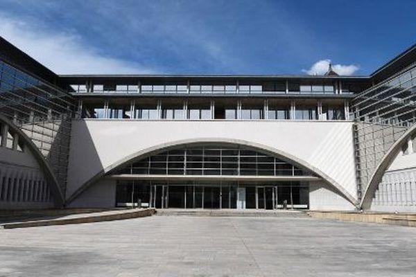 La cour du palais de justice de Besançon.