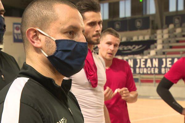 Humilité et écoute, 2 valeurs cardinales pour l'entraîneur du Limoges Handball Tarik Hayatoune