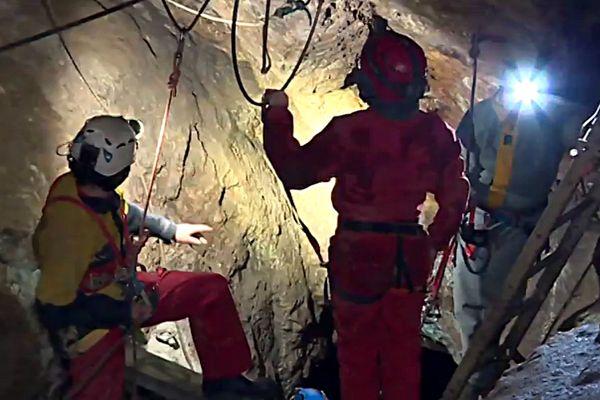 Installée au coeur d'une gallerie des anciennes mines de Tellure, la nouvelle via ferrata permet de découvrir les lieux de façon originale