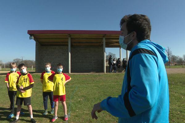 Les jeunes licenciés des clubs haut-viennois de handball retrouver le plaisir de jouer... en extérieur