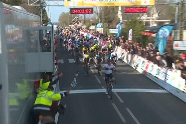 Mardi 26 mars 2019-Forges-les-Eaux- Alberto Dainese franchit la ligne d'arrivée de la seconde étape du Tour de Normandie