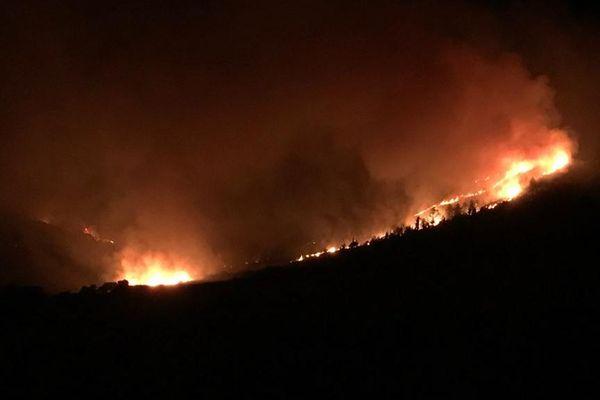 Aude : L'incendie de Montirat a gagné du terrain durant la nuit - 15 août 2019.