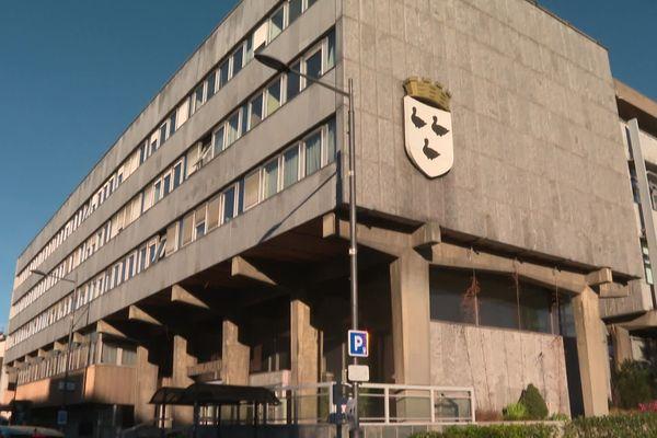 La mairie de Schiltigheim (Bas-Rhin) sera-t-elle démolie à l'issue des élections ?