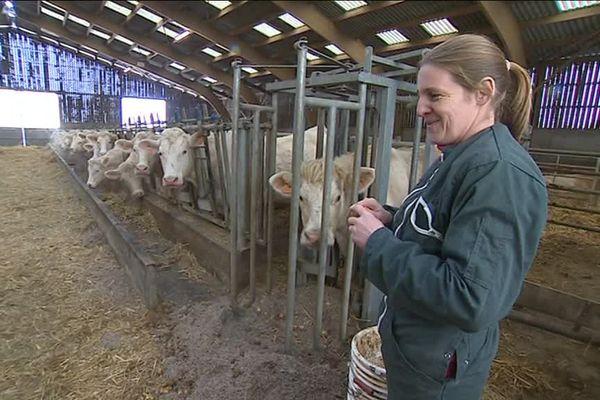 Emmanuelle Vodloire sillonne les fermes de l'Eure depuis 15 ans.