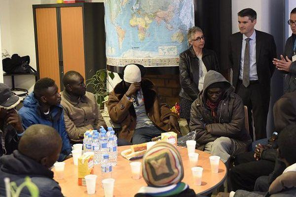 Les migrants accueillis lors de leur arrivée à Toulouse