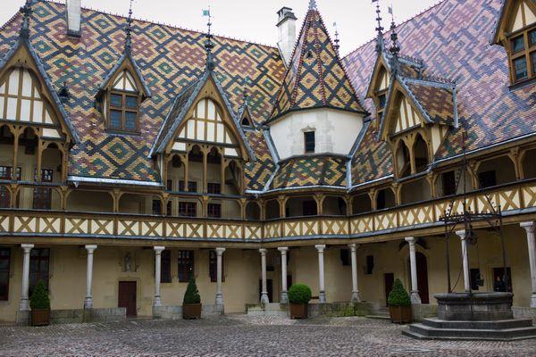Les hospices de Beaune en lice pour le concours du monument préféré des Français 2021.