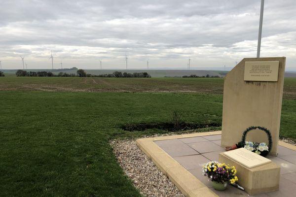 Une stèle a été installée en 2012 sur le site même de l'ancien charnier par l'association franco-ukrainienne pour la réhabilitation du Ban Saint-Jean. Le secteur compte déjà de très nombreuses éoliennes, mais encore aucune à proximité immédiate de l'ancien Stalag.