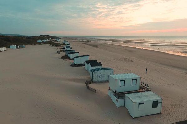 Les chalets de Blériot-plage sont menacés de destruction.