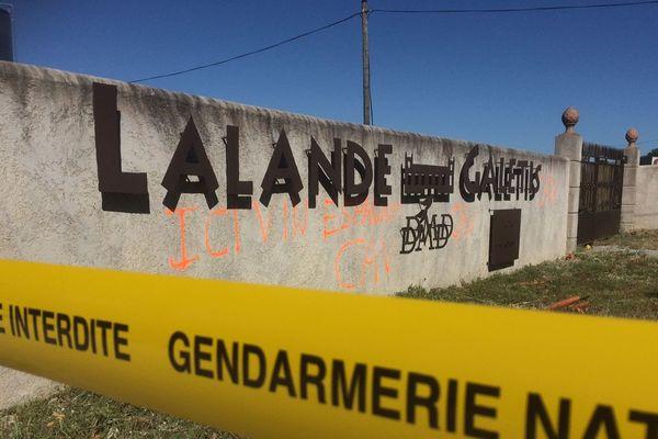 Le domaine de Lalande Galetis recouvert de tags à Pennautier