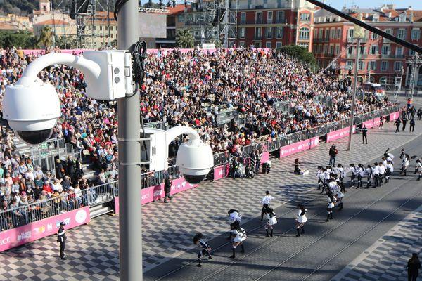 Une caméra de vidéosurveillance lors du carnaval de Nice.