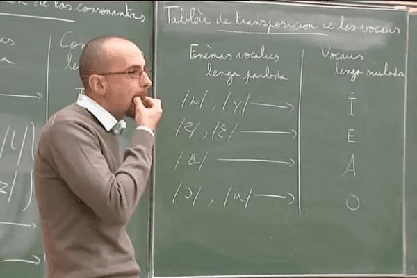 Philippe Biu, professeur de langage sifflé à l'Université de Pau Pays de l'Adour