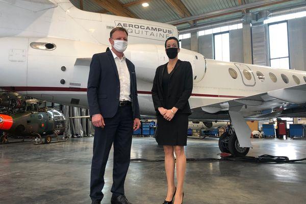 """Aérocampus ouvre une formation """"silver service"""" pour préparer des hôtesses à 'aviation d'affaire"""