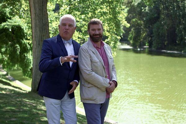 """Dans """" Eau de Paname """"  Yvan Hallouin et Frédérick Gersal proposent d'explorer Paris, quartier par quartier, pour y dénicher de belles histoires d'eau."""