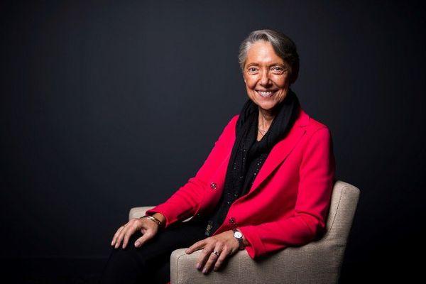 Elisabeth Borne nommée ministre chargée des transports.