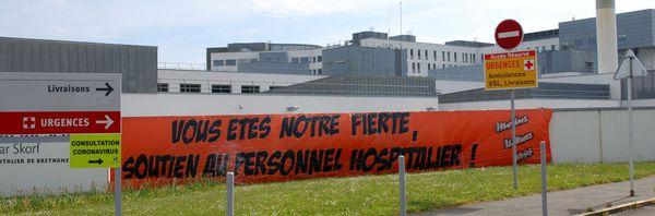 Les témoignages de reconnaissance autour de l'hôpital du Scorff, à Lorient